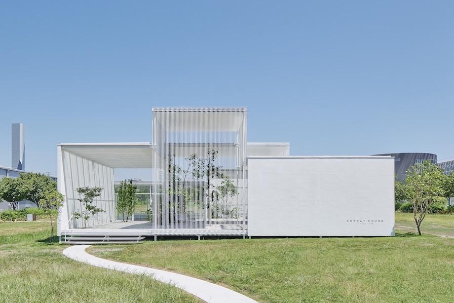 萬代基介建築設計事務所〈ARTBAY HOUSE〉外観