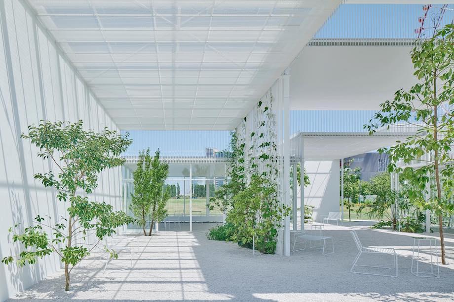 萬代基介建築設計事務所〈ARTBAY HOUSE〉内観 photo: yasuhiro takagi
