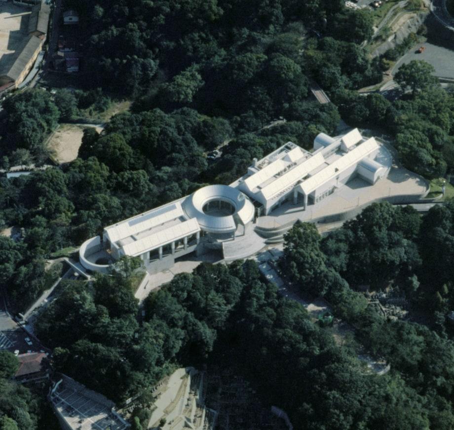 広島市現代美術館 俯瞰(設計:黒川紀章)